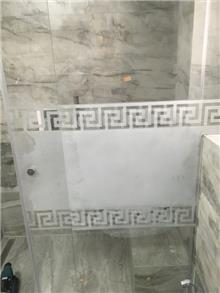 מקלחון הזזה מפואר