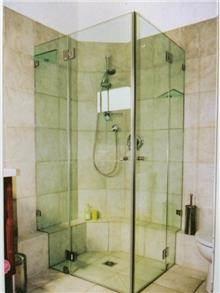 מקלחון פינתי מפואר