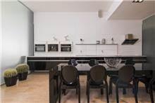 מטבחי הדקל - מטבח שחור לבן קקטוס