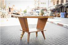שולחן דקורטיבי