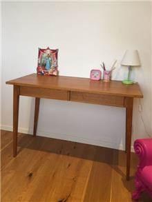 שולחן כתיבה מעוצב - יניב פשפשים
