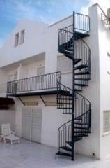מדרגות מערכת משולבת בצבע שחור - קו נבון
