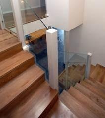 מעקות זכוכית פינתיות - קו נבון