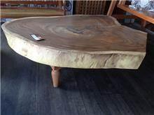 Treemium - חלומות בעץ מלא - שולחן סלון גזע עץ