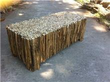 Treemium - חלומות בעץ מלא - שולחן מיוחד
