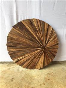 תמונת קיר עגולה מעץ טיק - Treemium - חלומות בעץ מלא
