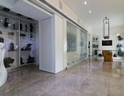 תוספת בניה ועיצוב מודרני לבית היסטורי בשכונת טלביה, בירושלים.