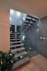 מדרגות פלדה ושיש - קו נבון