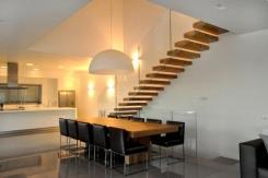 מדרגות מעץ - קו נבון