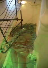 """מדרגות זכוכית מעוצבות - ד""""ר זכוכית"""