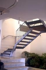 מדרגות לבית של חברת קו נבון - קו נבון