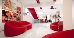 מדרגות אדומות - קו נבון