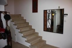 מדרגות מאריחי פורצלן  - אומנות הפורצלן