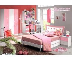 חדר ילדים ורוד לבן עם לבבות - היבואנים