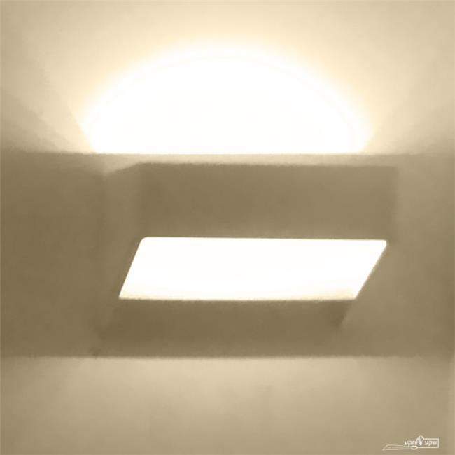 מנורה מלבנית - שקע ותקע