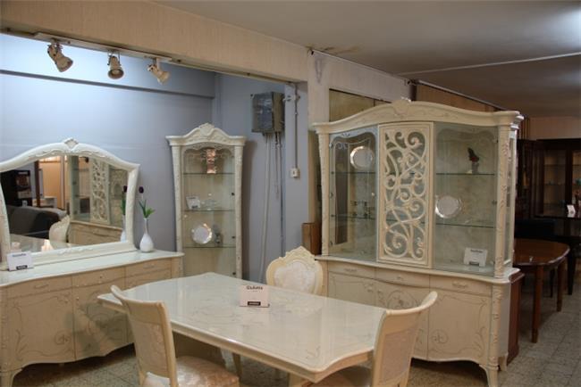 שולחן בעיצוב יוקרתי - רהיטי מוביליה
