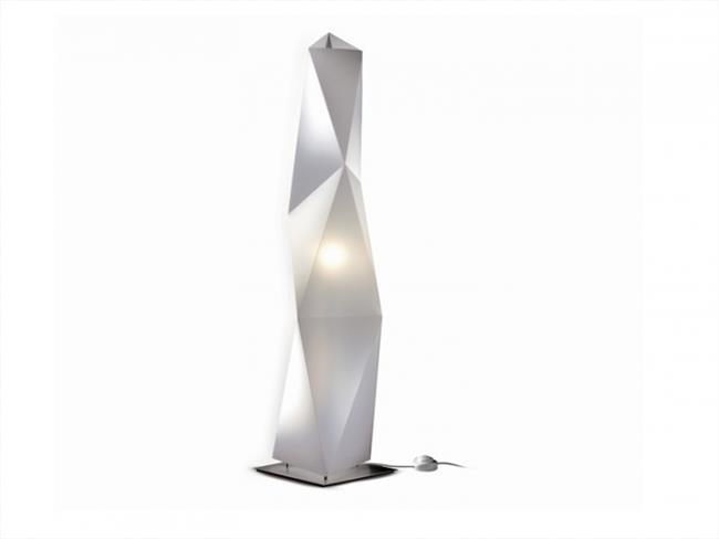 מנורת עמידה מודרנית - יאיר דורם תאורה - עודפים