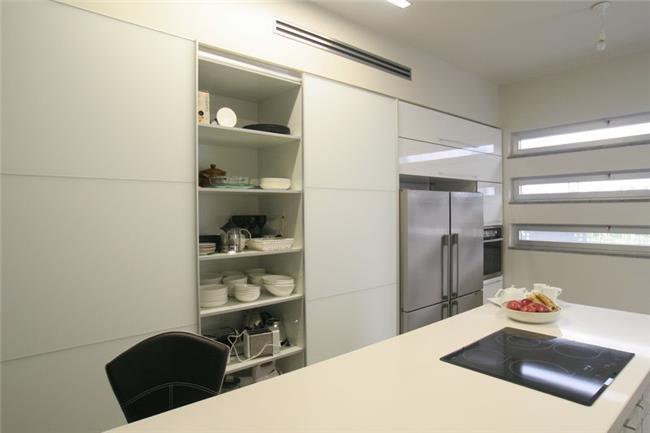 מטבח מודרני ייחודי - קמילה מטבחים
