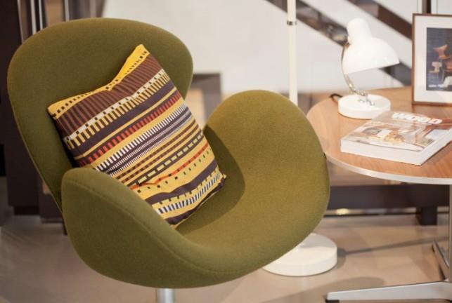 כסא ירוק - The Box