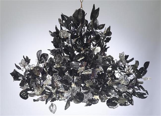 שנדליר אפור שחור - יהודה אוזן