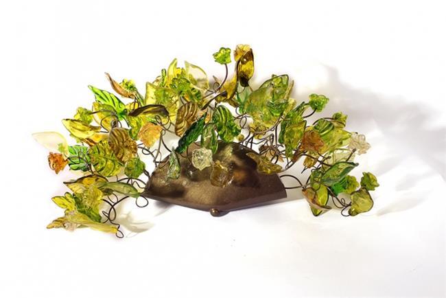 מנורת קיר פרחים ועלים ירוקה  - יהודה אוזן