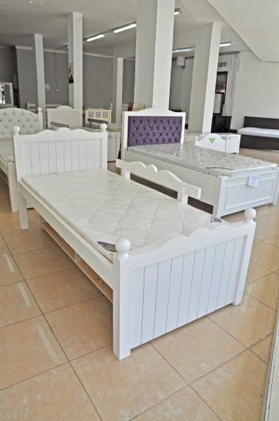 מיטת ילדים לבנה - אלוף המזרונים