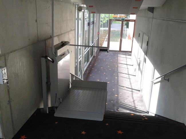מדרגון משטח לבן - אלקטרה תעמל - מעליות ומעלונים