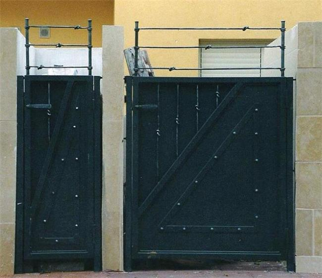 שערים לבית - רוםסן - אומנות הפרופיל הבלגי
