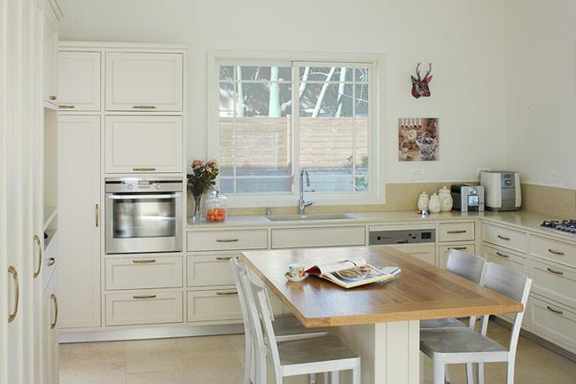 מטבח מודרני לבן - VNG עיצובים בעץ