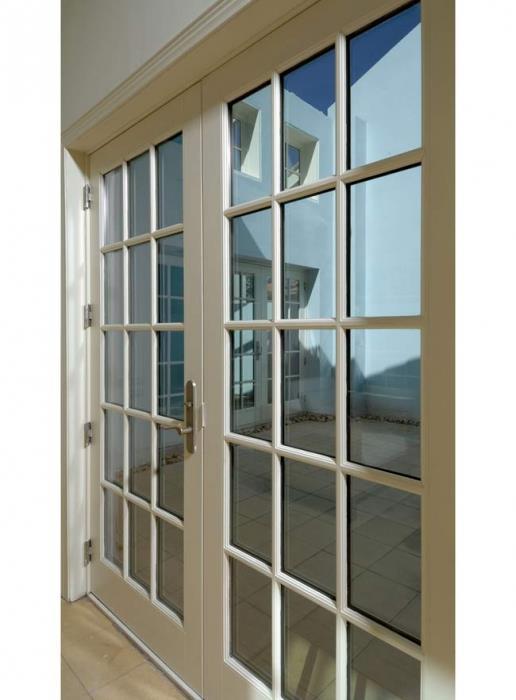 דלת שמנת על ציר - חלונות מרווין ישראל