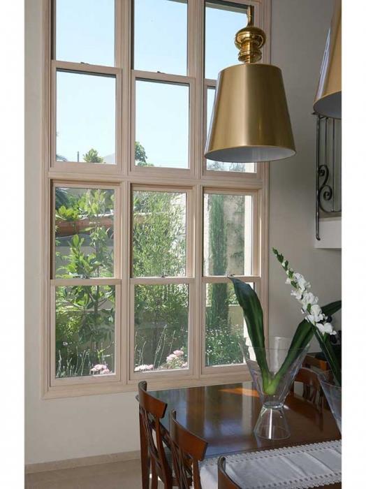 חלון הרמה אנכית - חלונות מרווין ישראל