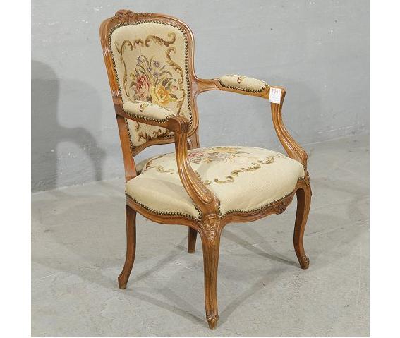 כסא עתיק - הבית בעולש