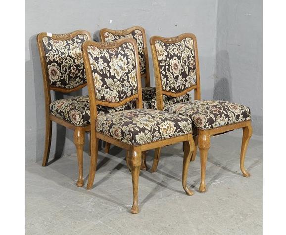 כסאות עתיקים - הבית בעולש