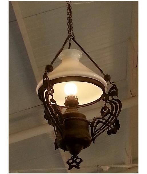 מנורת נפט תלויה - הבית בעולש