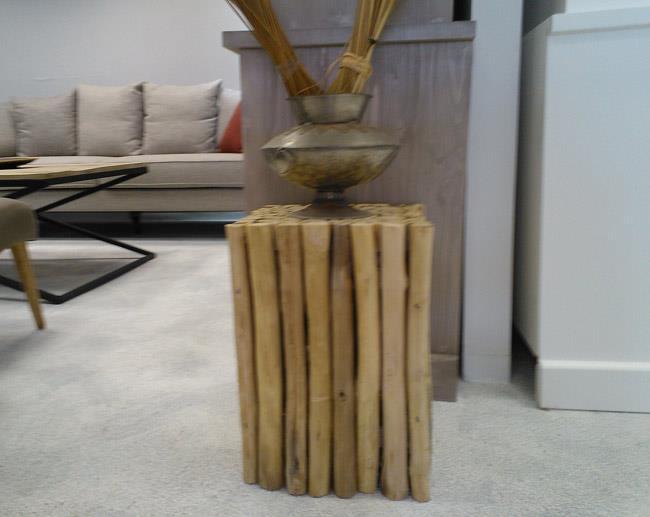 שולחן צד מעץ - La Maizon