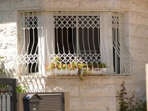 סורגים לבנים לחלונות - טרלידור