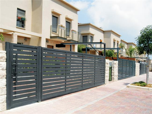 דלת ושער בעיצוב קלאסי - טרלידור