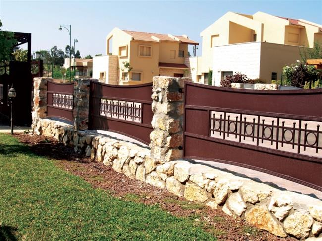 גדר בעיצוב אתני - טרלידור