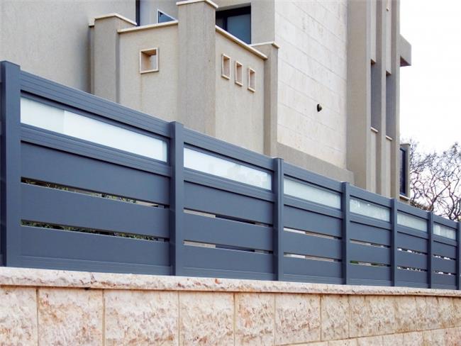 גדרות אלומיניום בשילוב זכוכית - טרלידור