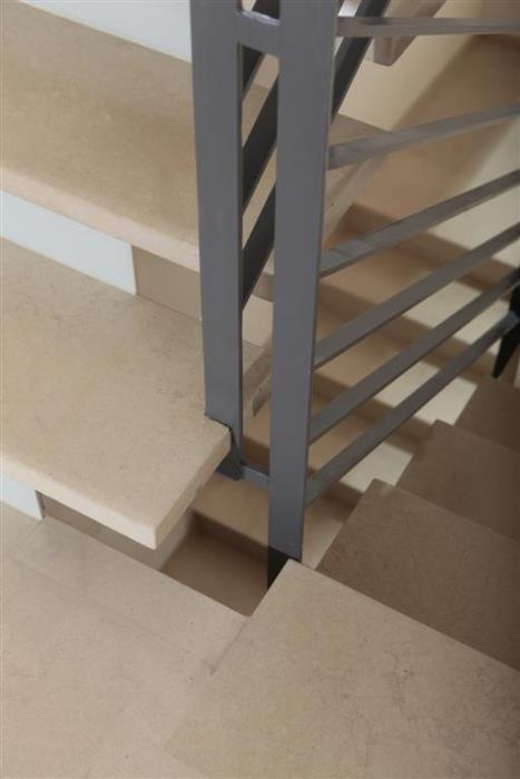 מדרגות מרחפות - אבני ניצן