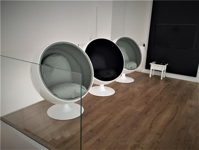 כורסאות מעוצבות - כסא נדנדה