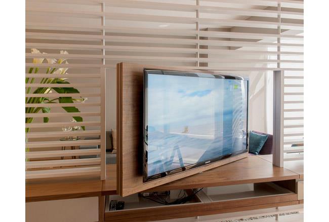 מעמד לטלויזיה מעוצב - אקספרס קולנוע ביתי
