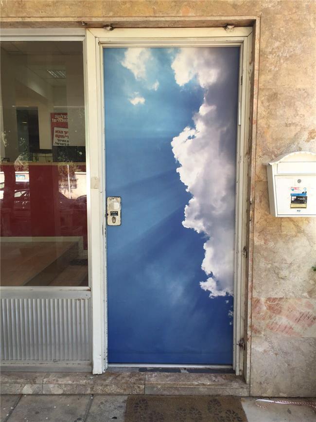 ציפוי דלתות כניסה - FUNKYDOOR