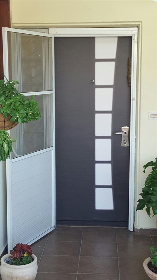 ציפוי דלת מהגוני - FUNKYDOOR