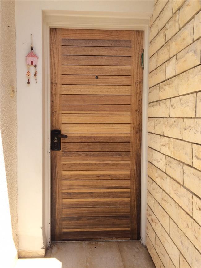ציפוי לדלת עץ מלא - FUNKYDOOR