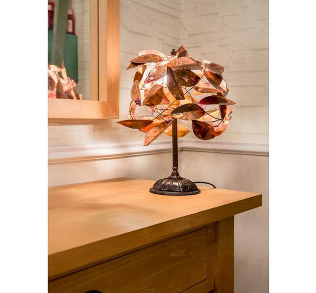 מנורת שולחן עבודת יד - איפאה
