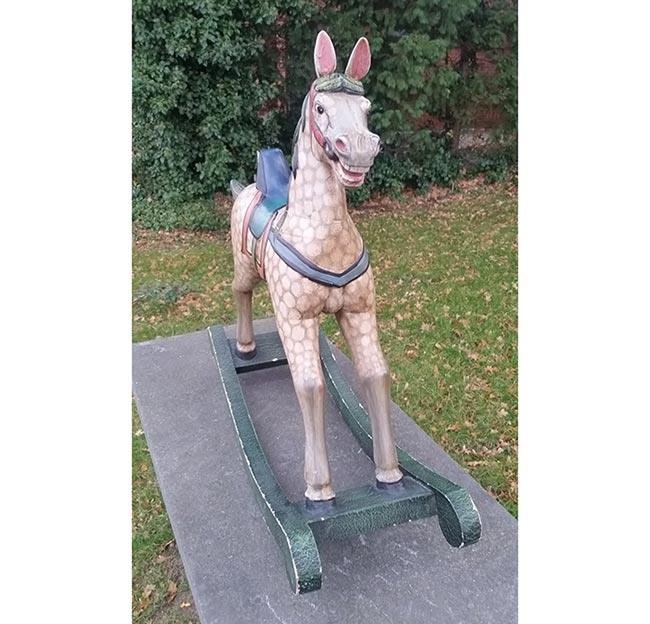 סוס נדנדה - fleamarket