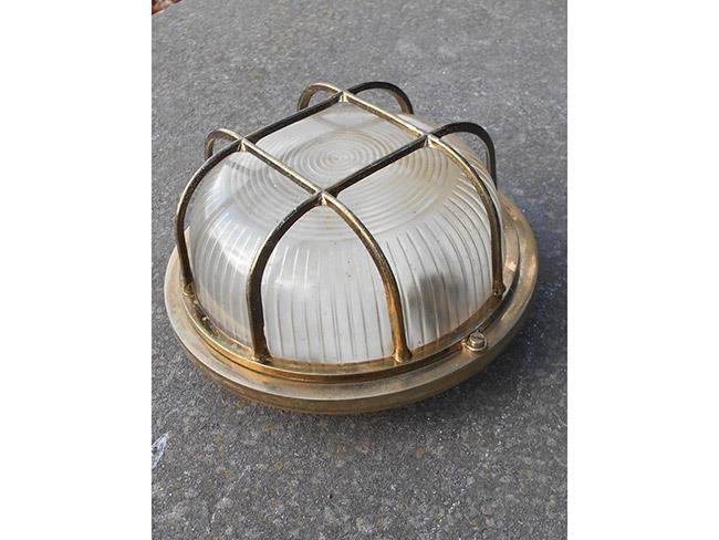 מנורה עתיקה לקיר - fleamarket