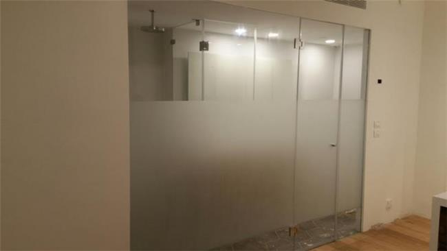 מקלחון זכוכית גדול - א.ר. שיווק