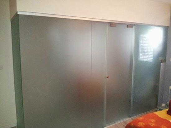 מקלחון חזית מזכוכית 4 - א.ר. שיווק